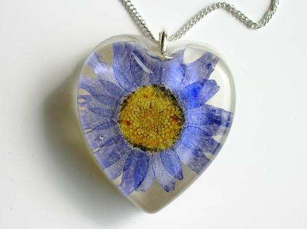Blue flower pendant / necklace