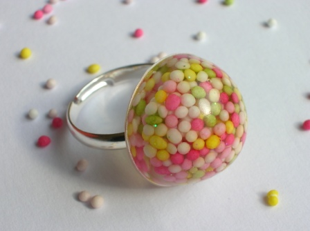 Cake sprinkles (100s and 1000s) ring (round)